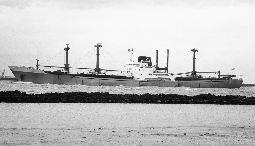 WOENSDRECHT passing Hoek van Holland 27.7.73 by Malcolm Cranfield (Small).jpg