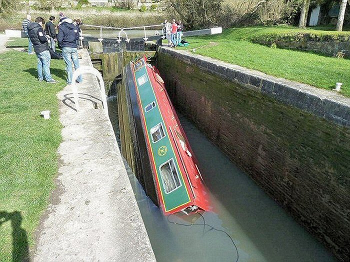narrowboat.jpg