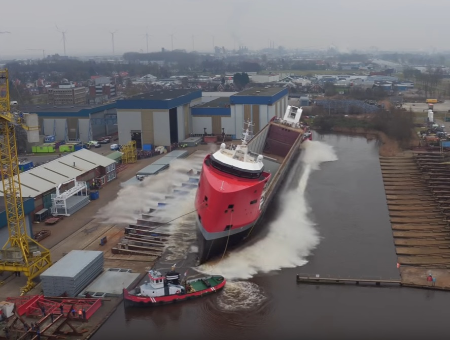EasyMax-type multipurpose vessel launched successfully at shipyard Royal Niestern Sander.jpg