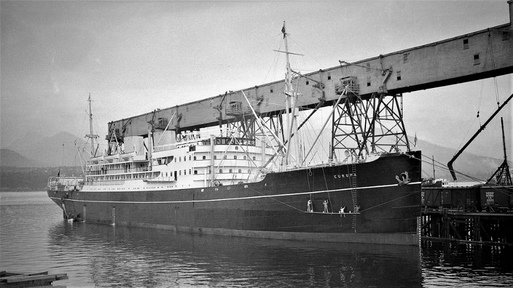 Europa1931-1941 EastAseatic at Vancouver 1932.jpg