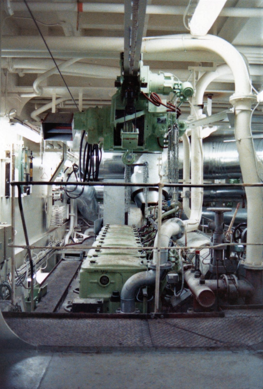 SB main engine(2).jpg
