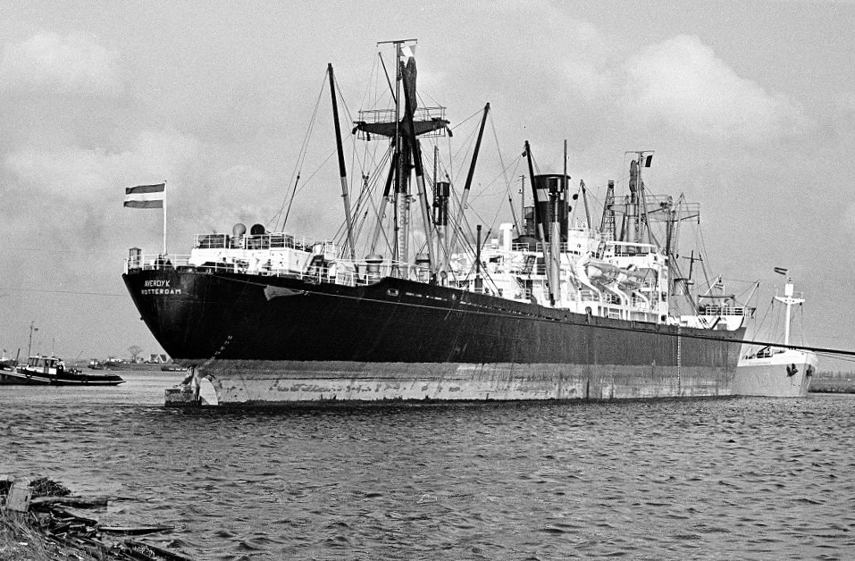 Averdijk (Holland America Line)  and Alexandra K. (Panama flag) collision on Noordzee Kanaal March 4th 1964-2.jpg
