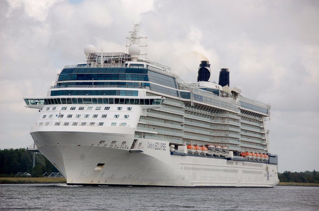 CELEBRITY ECLIPSE b-v.jpg
