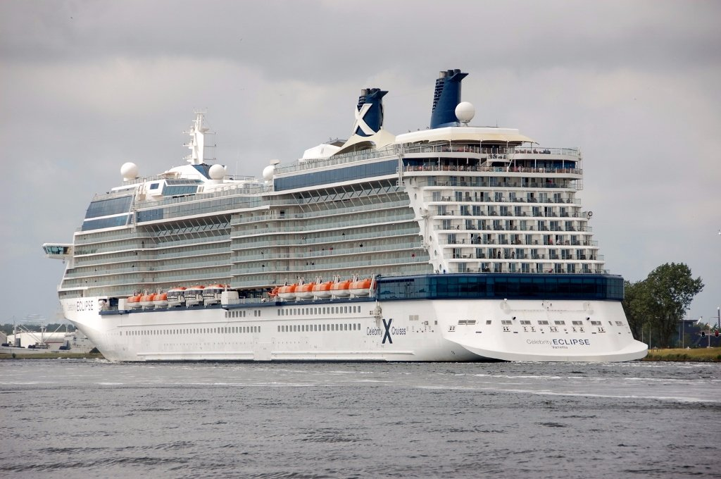 CELEBRITY ECLIPSE b-a.jpg