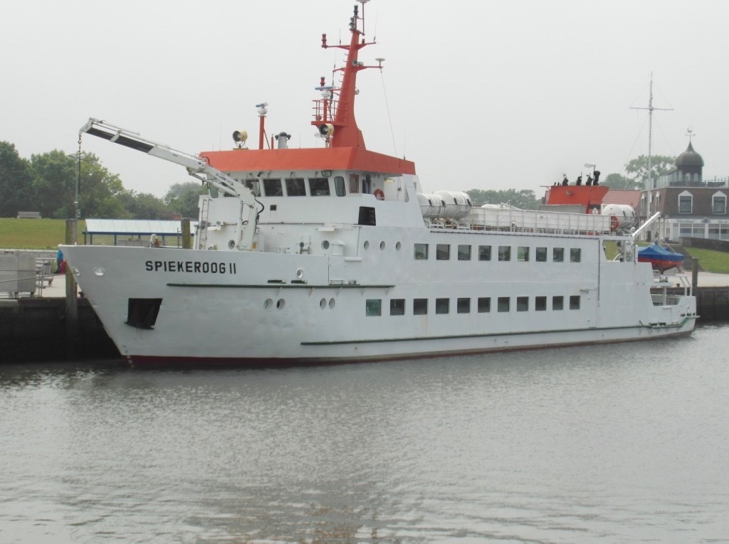 ms Spiekeroog 2 in Neuharlingersiel.jpg