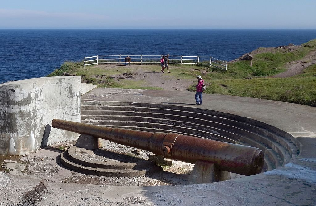 Cape_Spear_Nfld_WWII_battery.jpg
