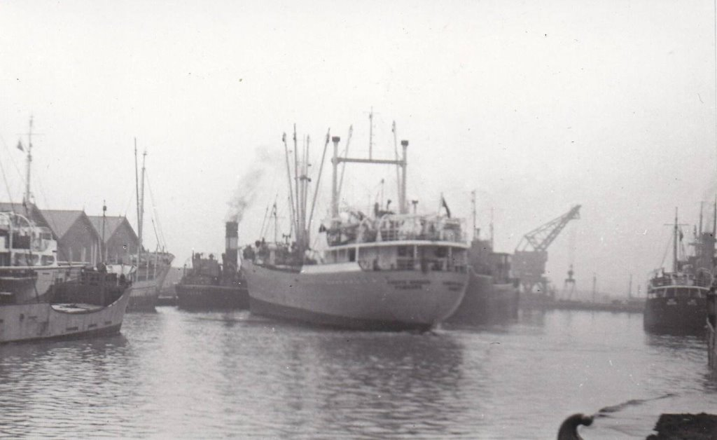 WEST_DOCK_GOOLE_23-12-56.jpg