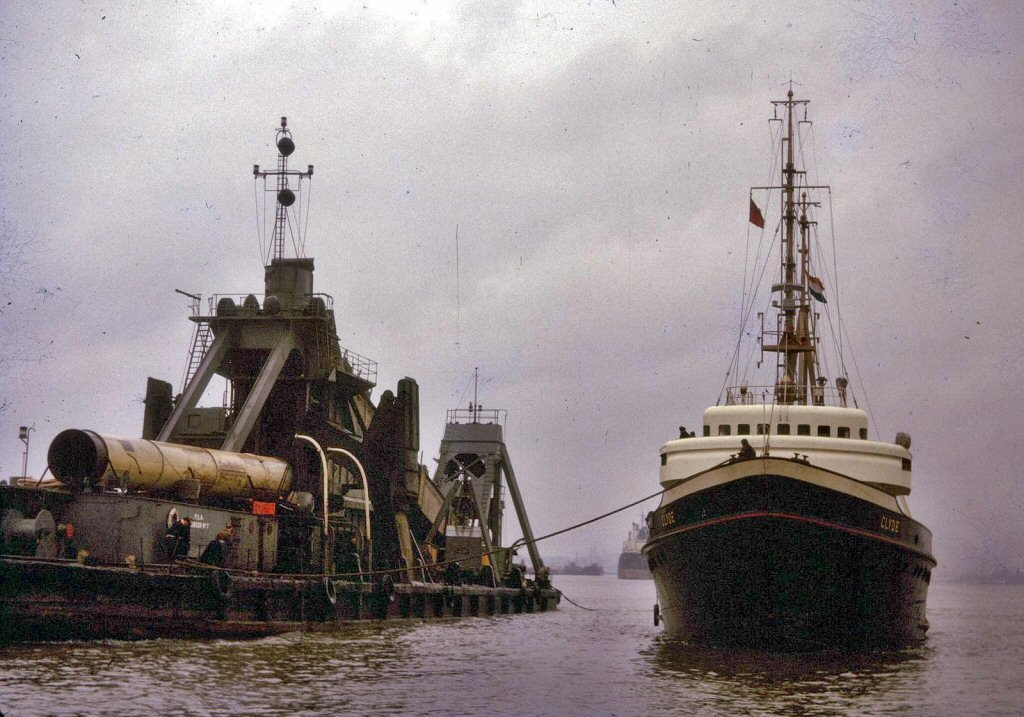 Clyde-Dredger No 7-01.jpg