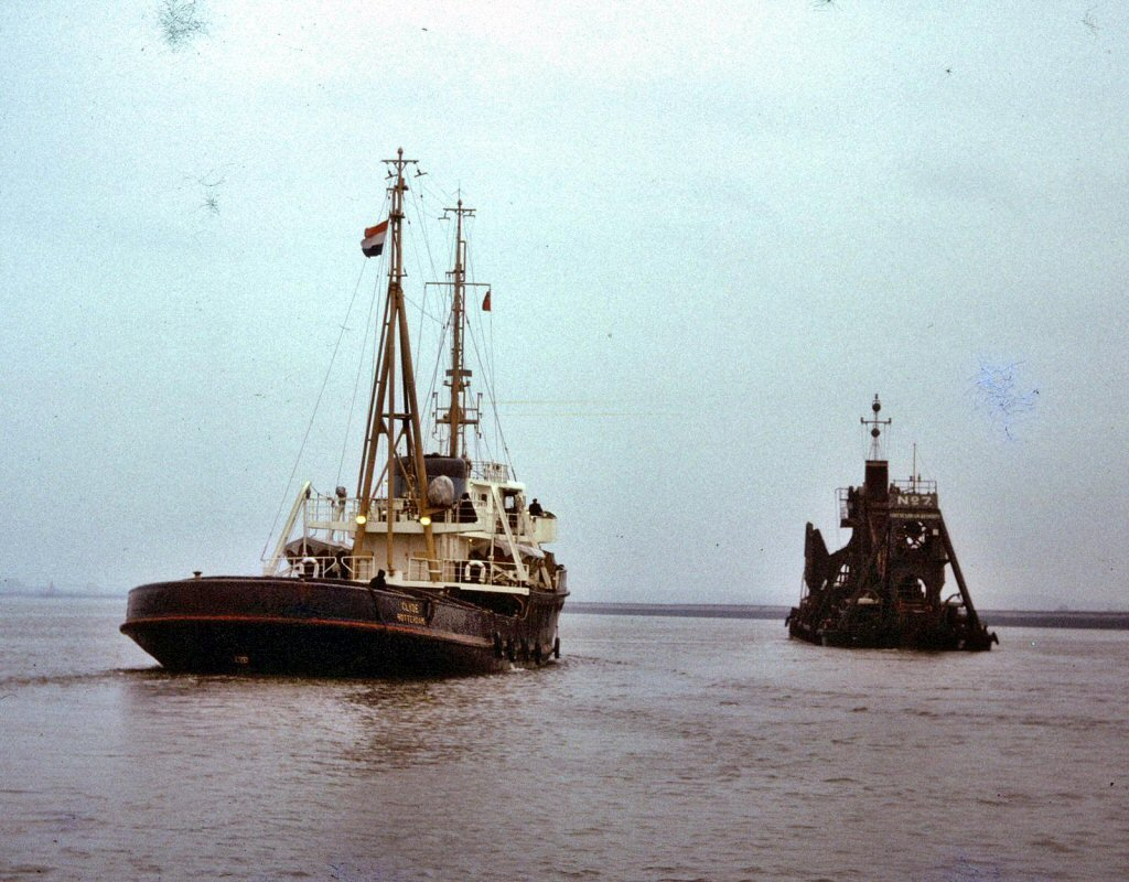 Clyde-Dredger No 7-02.jpg
