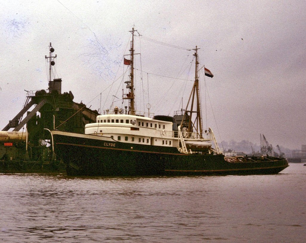 Clyde-Dredger No 7-03.jpg