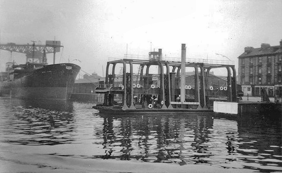 River Clyde Vehicle Ferry No 3.jpg