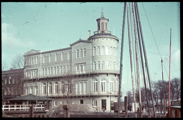 veerhaven-museum-voor-land-en-volkenkunde-richard-boske-stadsarchief-rotterdam-go-with-the-vlo_1513624188586.jpg