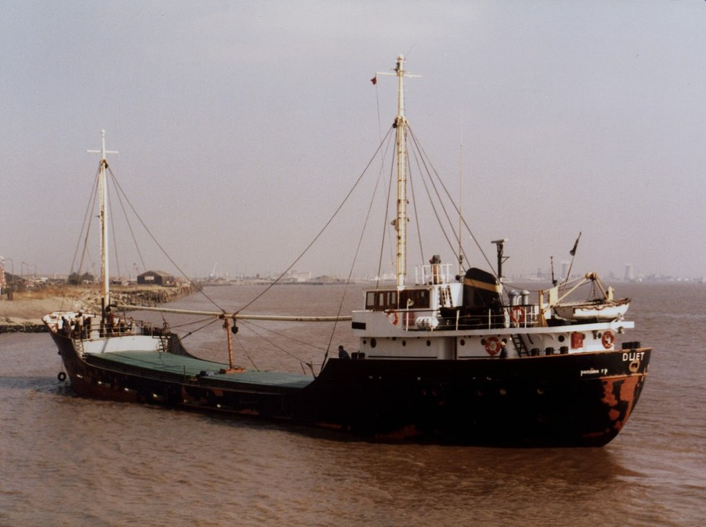 Duet 24-09-1985 Arriving River Hull.jpg