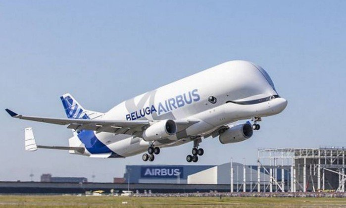 xBelugaXL-FirstFlight-1.jpg.pagespeed.ic.pCX_S1TDRm.jpg