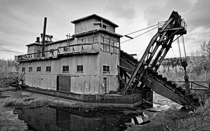 Coal-Creek-Dredge-Alaska b-w-HDR-688x_NPS1.jpg