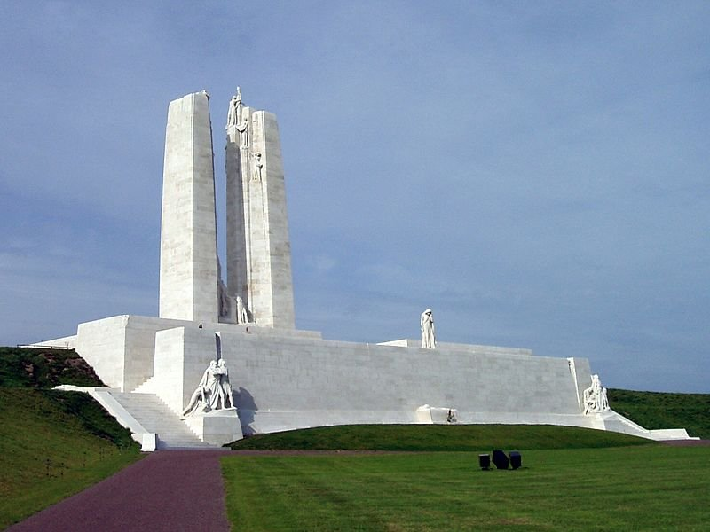 WW1-Vimy_Memorial_(September_2010)_cropped.jpg