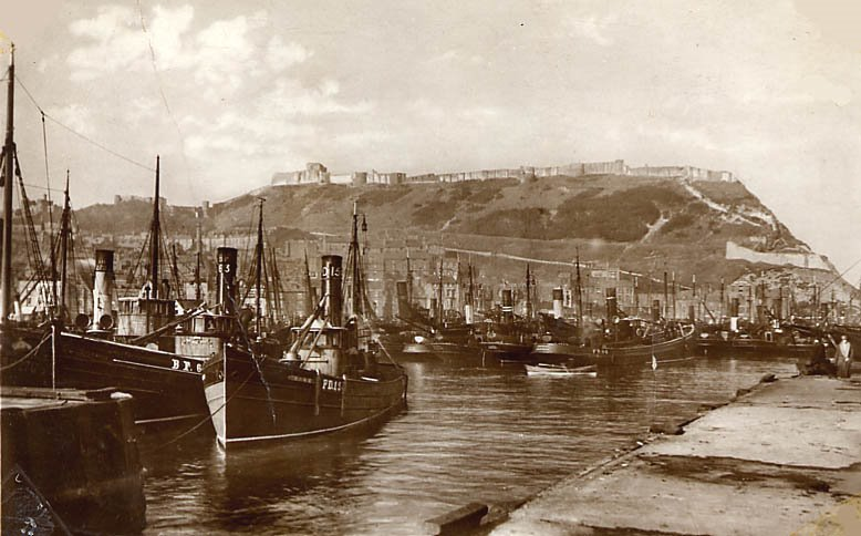 SCARBOROUGH 1931 - with hering-drifters registered mainly at Banff, Peterhead and Fraserburgh.jpg