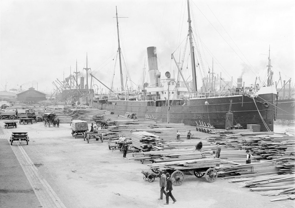 oonah_1888-1935loading_timber_at_yarra_piermelbourne_copy.jpg