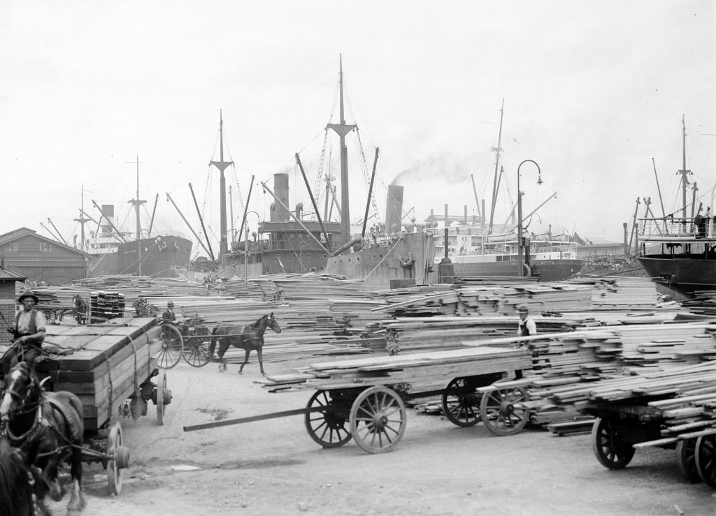 skipsea_1922timber_loading_at_yarra_wharfmelbourne_copy.jpg