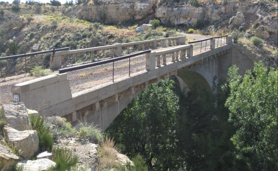 66 Old Route002 - Arizona - Canyon Padre Bridge nabij Twin Arrows.JPG