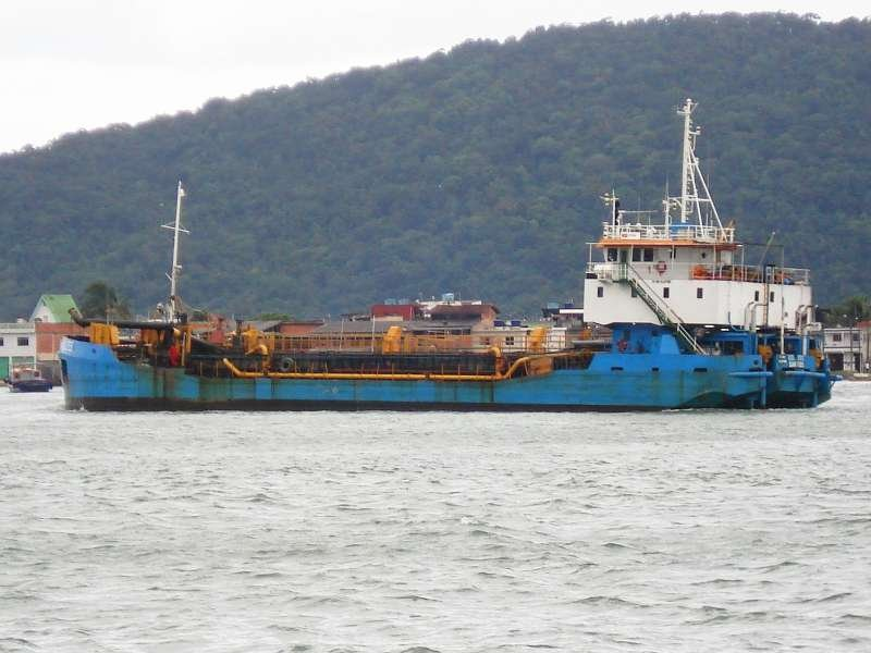 volzee_2 entrar port of santos.jpg