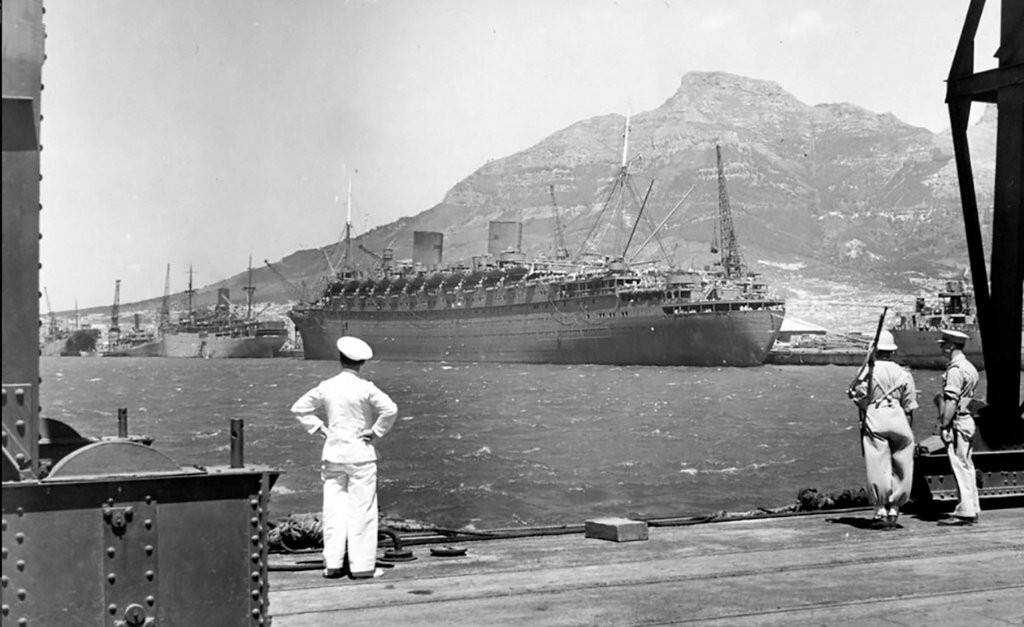 nieuw_amsterdam_1938-74in_cape_town_c1940others_copy.jpg