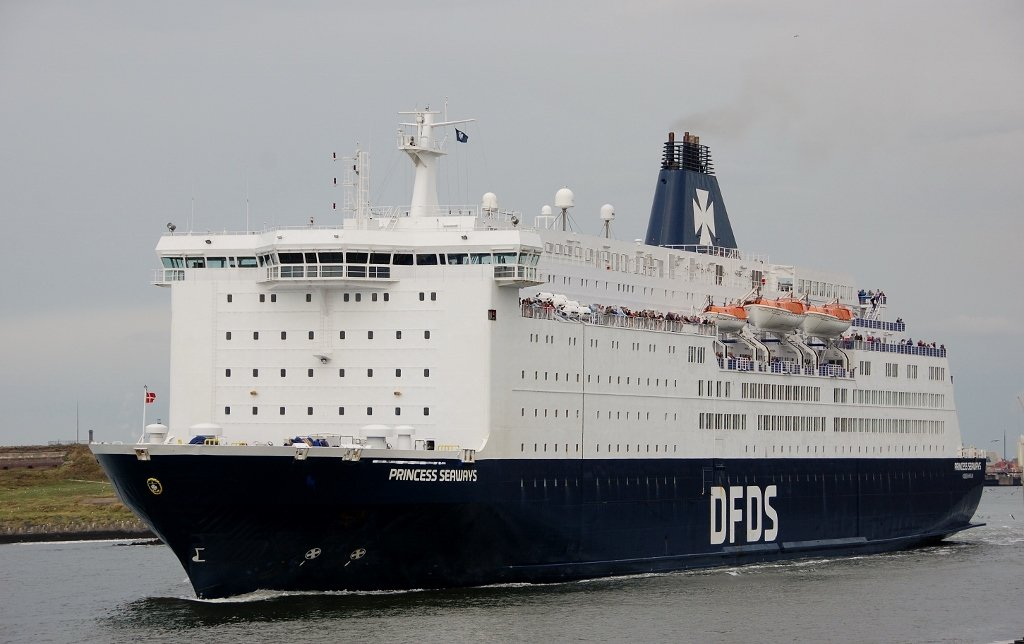 PRINCESS SEAWAYS b-v IMO 8502391.jpg