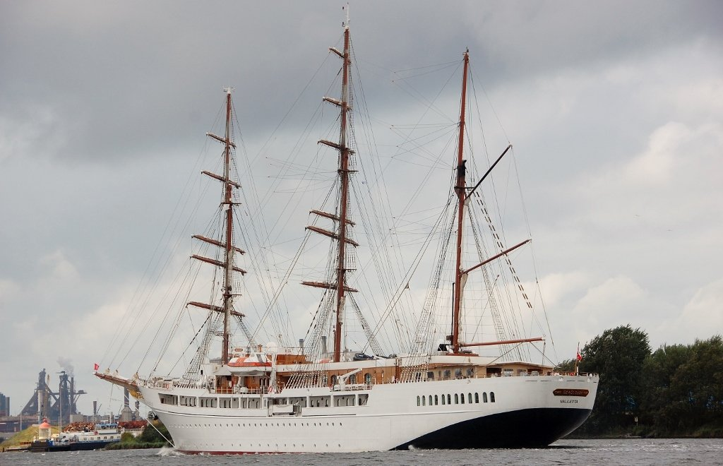 SEA CLOUD II b-a IMO 9171292.jpg