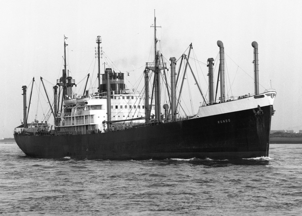 rondo_passing_hoek_van_holland_4.6.70_on_voyage_rotterdam_to_douala_by_malcolm_cranfield.jpg