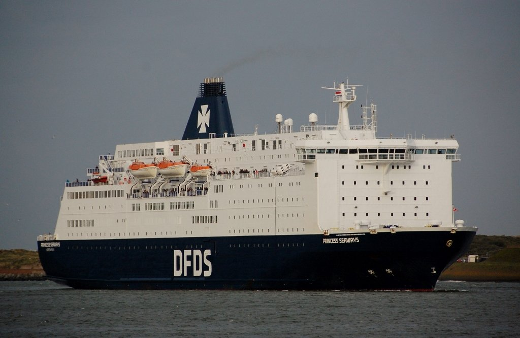 PRINCESS SEAWAYS s-v IMO 8502391.jpg
