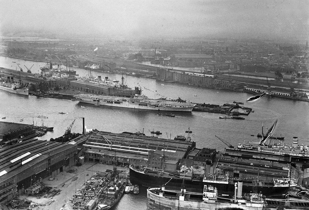 amsterdam_harbour_3rd_september_1948_with_karel_doorman_copy.jpg