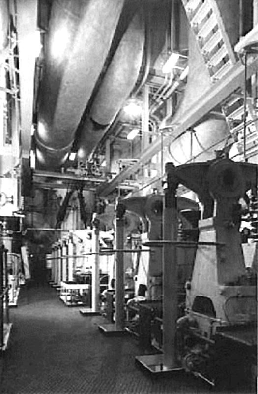 Straat-Banka-Engine-Room.jpg