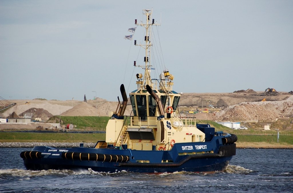 SVITZER TEMPEST s-a IMO 9793076.jpg