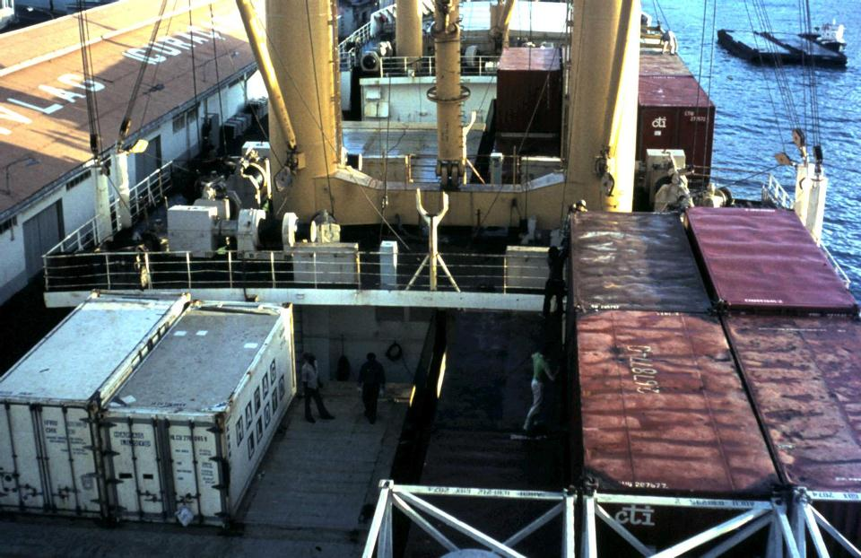 Salland containers laden.jpg
