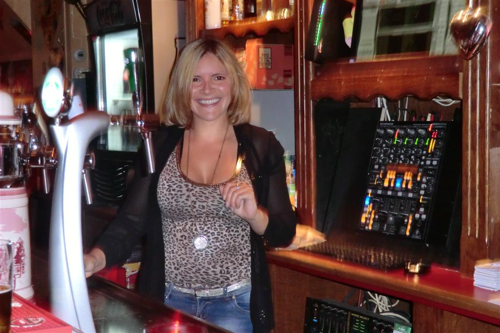 BARMAID (Large).JPG